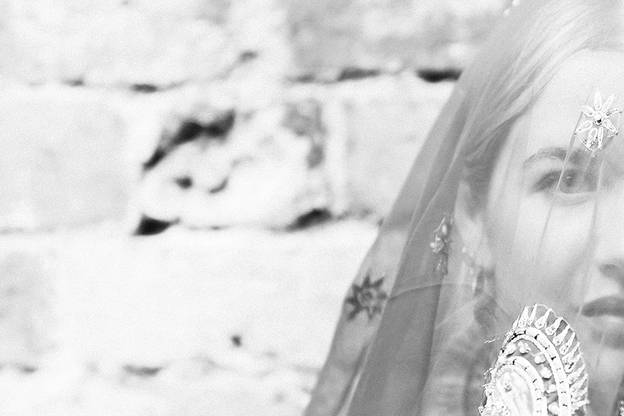 Portrait of lady on her wedding day by Hanne Brooks Photography